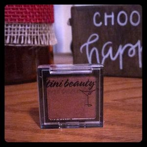 Tini Beauty eyeshadow. Firestarter